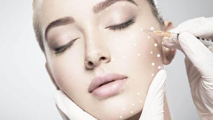 مزوبوتاکس چیست؟ رفع چین و چروک صورت و گردن با مزوبوتاکس